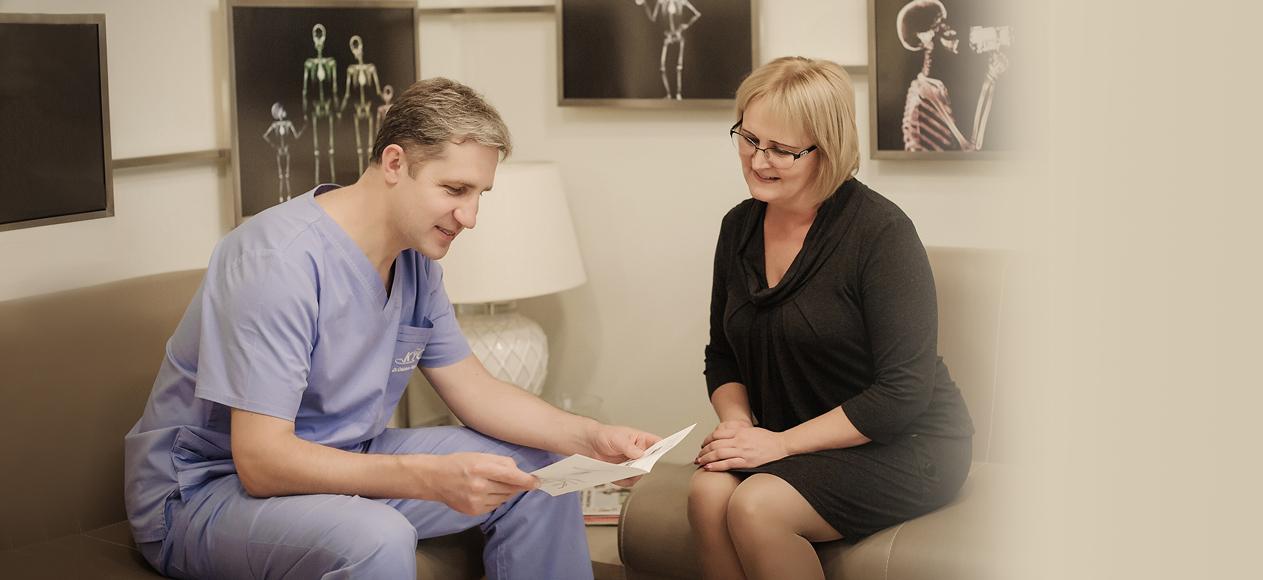 Dr. Dainius Razukevičius. Burnos, žandikaulių chirurgas. Implantai. Implantacija. Implantavimas. Žandikaulio operacijos. Atsiliepimai