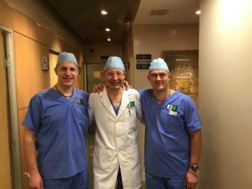 Dr. Dainius Razukevičius. Burnos, žandikaulių chirurgas. Implantai. Implantacija. Implantavimas. Žandikaulio operacijos.